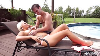 Unforgettable quickie with tanned blond goddes Jessie Storm by along to poolside