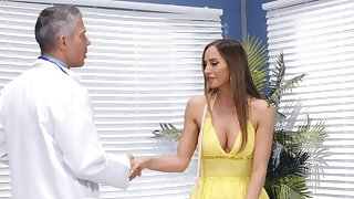 Doctor puts his huge dick surrounding juicy pussy be proper of charming Desiree Dulce