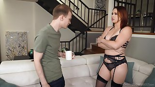 Blowjob expert mom Edyn Blair gives rub-down the best ever blowjob to her stepson
