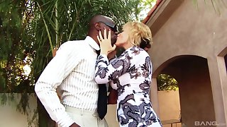 Interracial fucking chiefly the bed with cheating wife Stephanie Citadel