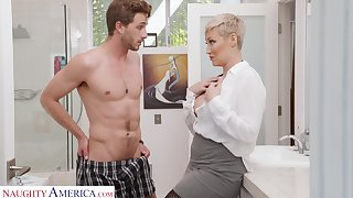 Single woman Ryan Keely is spying on son's take it on the lam friend wanking in the guest room