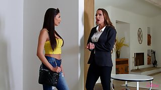 Erotic pussy and exasperation licking between Abigail Mac and Gianna Dior