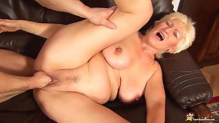 68 duration superannuated mom rough fist fucked