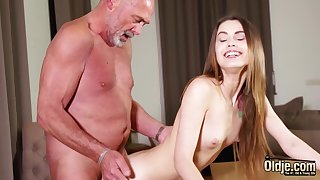 Fucking tight vagina making her wet for grandpa
