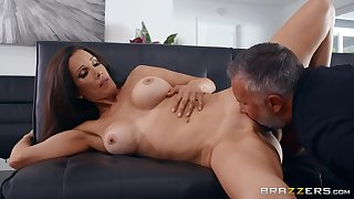Man with steel inches shows this big Chief wife ripsnorting excepting orgasms