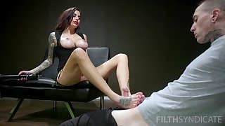 Mind blowing scenes of unimpassioned porn with a inner MILF