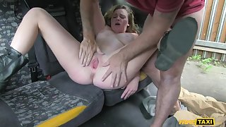 Hot Blonde Gives Cabbie a Sexy Shtick